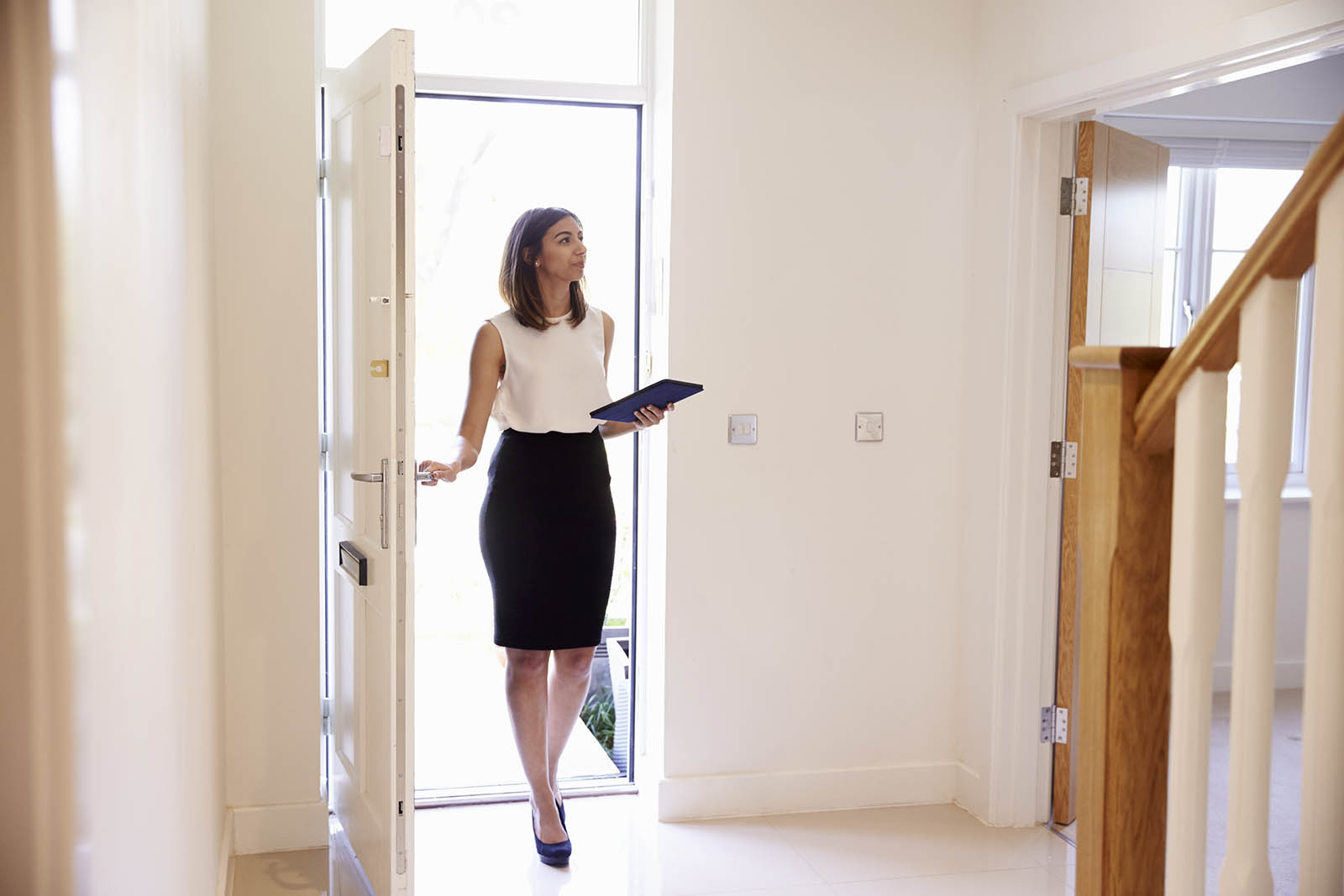 The Pros and Cons of a Career in Real Estate